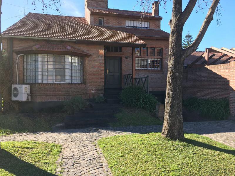 Foto Casa en Venta en  Centro (Campana),  Campana  Laprida al 500