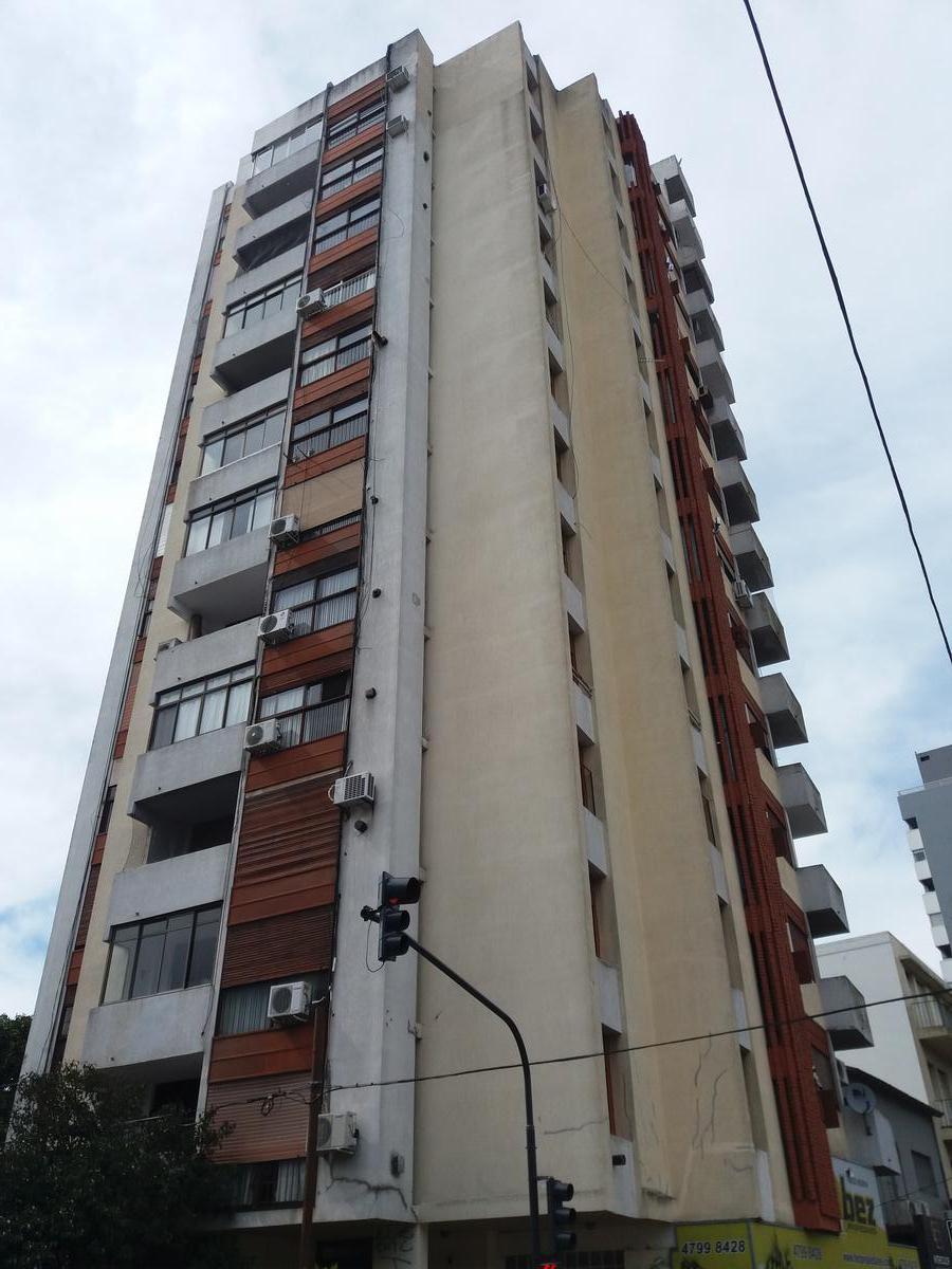 Foto Departamento en Venta en  La Lucila-Vias/Maipu,  La Lucila  AV. MAIPU al 3900