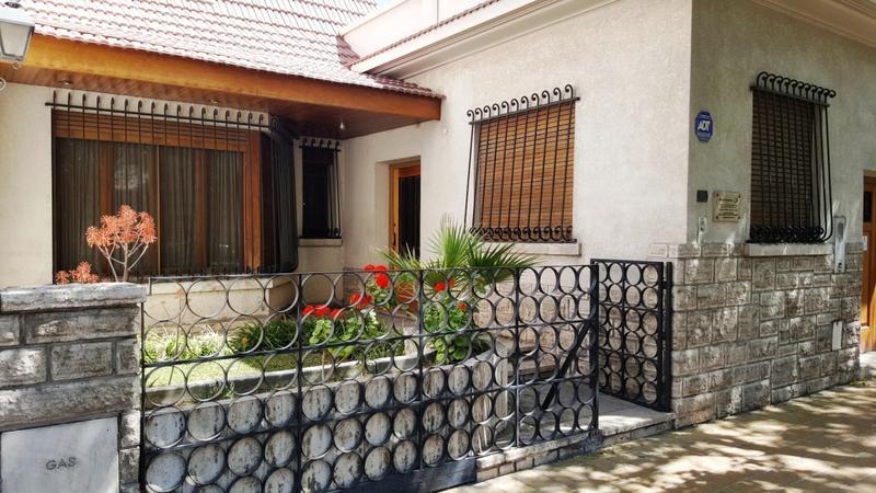 Foto Casa en Venta en  Capital ,  San Juan  Sarmiento Norte 14