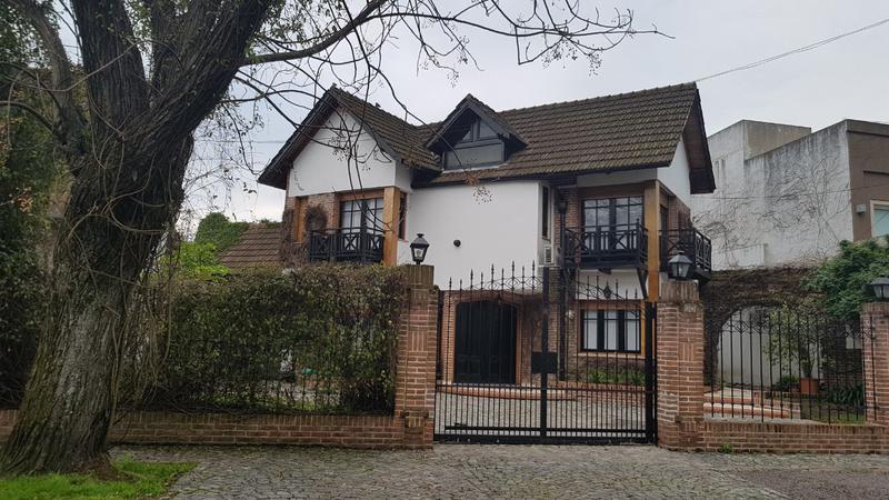 Foto Casa en Venta en  Castelar,  Moron  Cnel. Machado al 3100