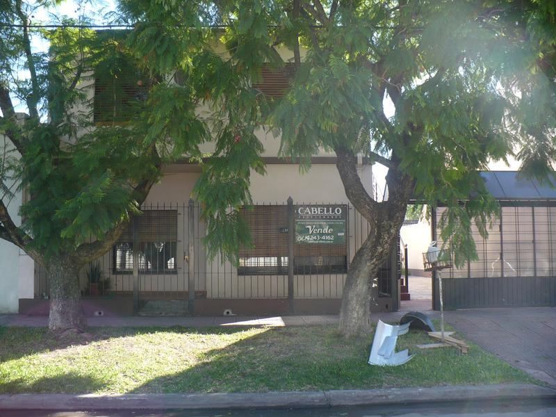 Foto Casa en Venta |  en  Lomas de Zamora Oeste,  Lomas De Zamora  CASEROS al 2200