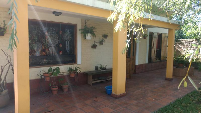 Foto Casa en Venta en  Ituzaingó Sur,  Ituzaingó  Cuyo al 1900