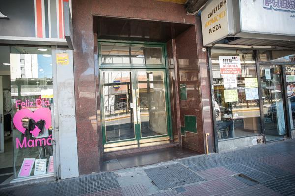 Foto Departamento en Venta en  Flores ,  Capital Federal  Rivadavia al 7000