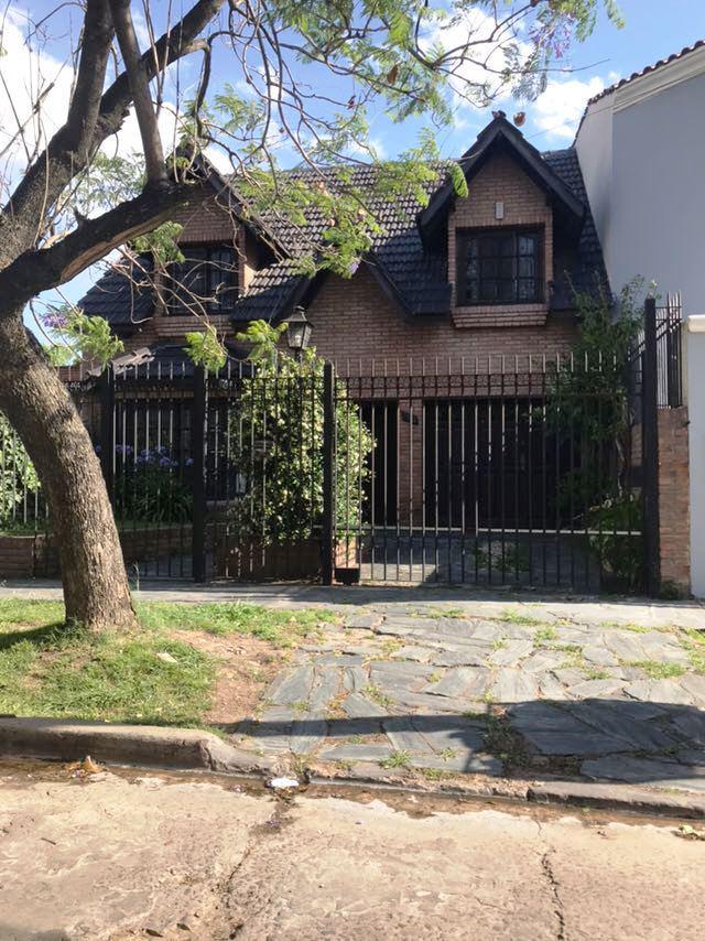 Foto Casa en Venta en  Moron ,  G.B.A. Zona Oeste  PEDRO GOYENA entre SAN NICOLAS y ARRECIFES