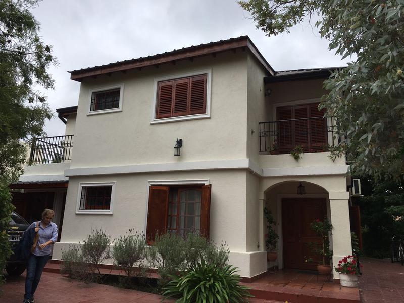 Foto Casa en Venta en  Countries/B.Cerrado,  Exaltacion De La Cruz  Casa Lote 94  Larena Country Club