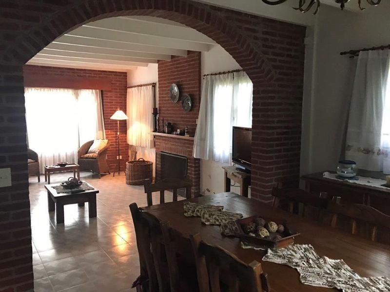 Foto Casa en Venta en  Pinamar ,  Costa Atlantica  Del Congrio a mts. Libertador