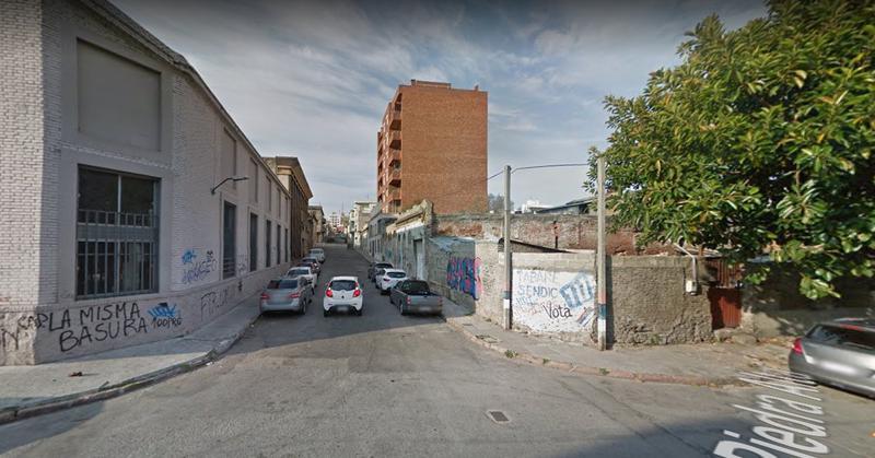 Foto Terreno en Venta en  Centro ,  Montevideo  La Paz  y  Galicia