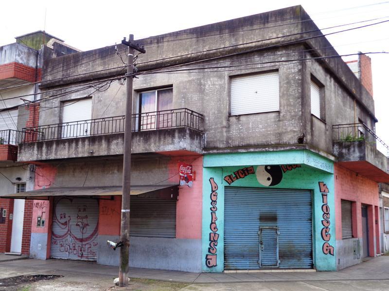 Foto Local en Venta en  Carapachay,  Vicente Lopez  Belgrano al 3900