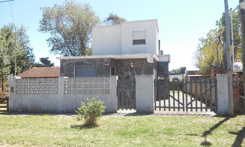 Foto Casa en Venta |  en  Las Toninas ,  Costa Atlantica  AV. 42 N° al 600