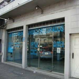 Foto Local en Venta |  en  Lanús Oeste,  Lanús  YRIGOYEN, HIPOLITO 5100
