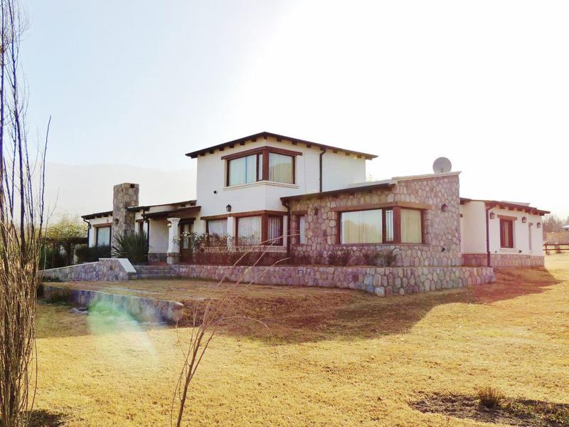 Foto Casa en Alquiler temporario en  Tafi Del Valle ,  Tucumán  Los Castaños, hasta 11 personas