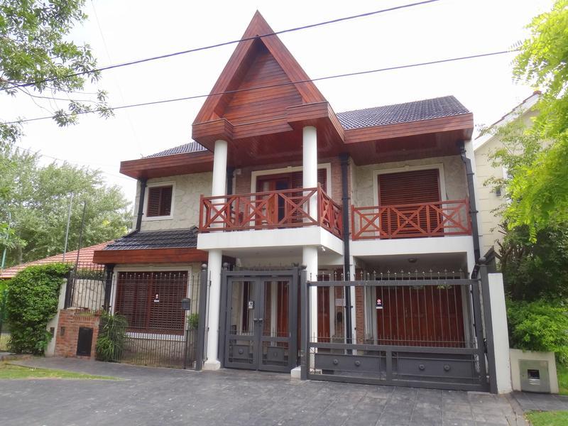 Foto Casa en Venta en  P.Luro,  Mar Del Plata  Lopez de Gomara y Lopez y Planes