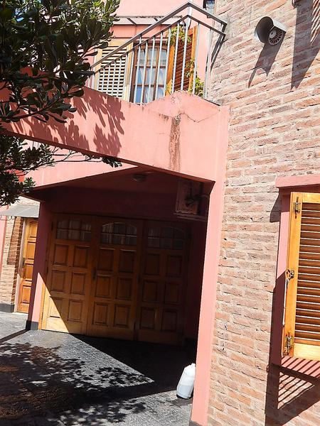 Foto PH en Venta en  Lomas de Zamora Oeste,  Lomas De Zamora  CASTELLI 642
