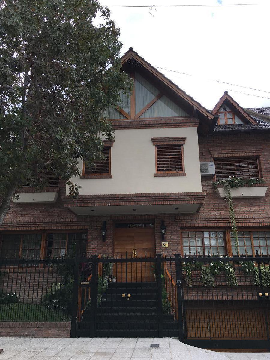 Foto Casa en Venta en  Mart.-Santa Fe/Fleming,  Martinez  Santiago del Estero al 600
