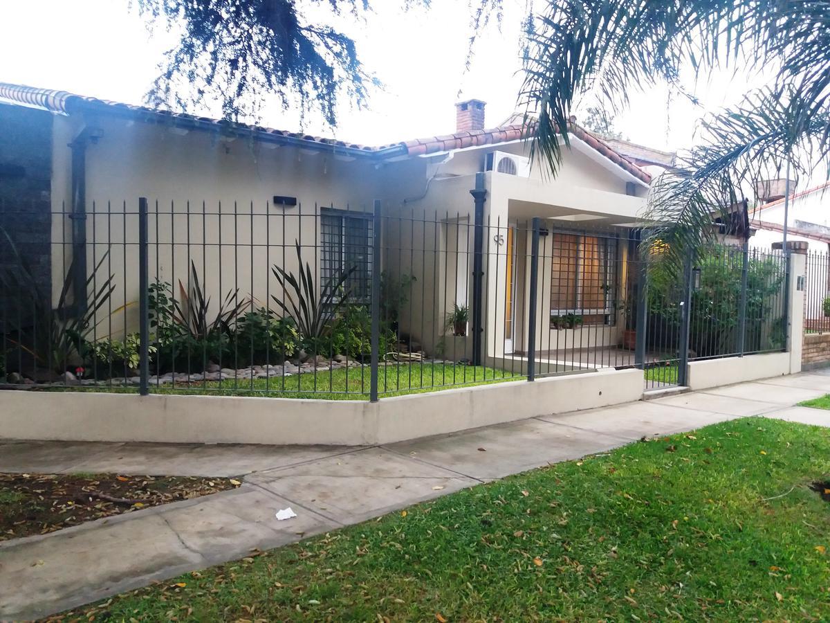 Foto Casa en Venta en  Ituzaingó ,  G.B.A. Zona Oeste  Otero 0-100