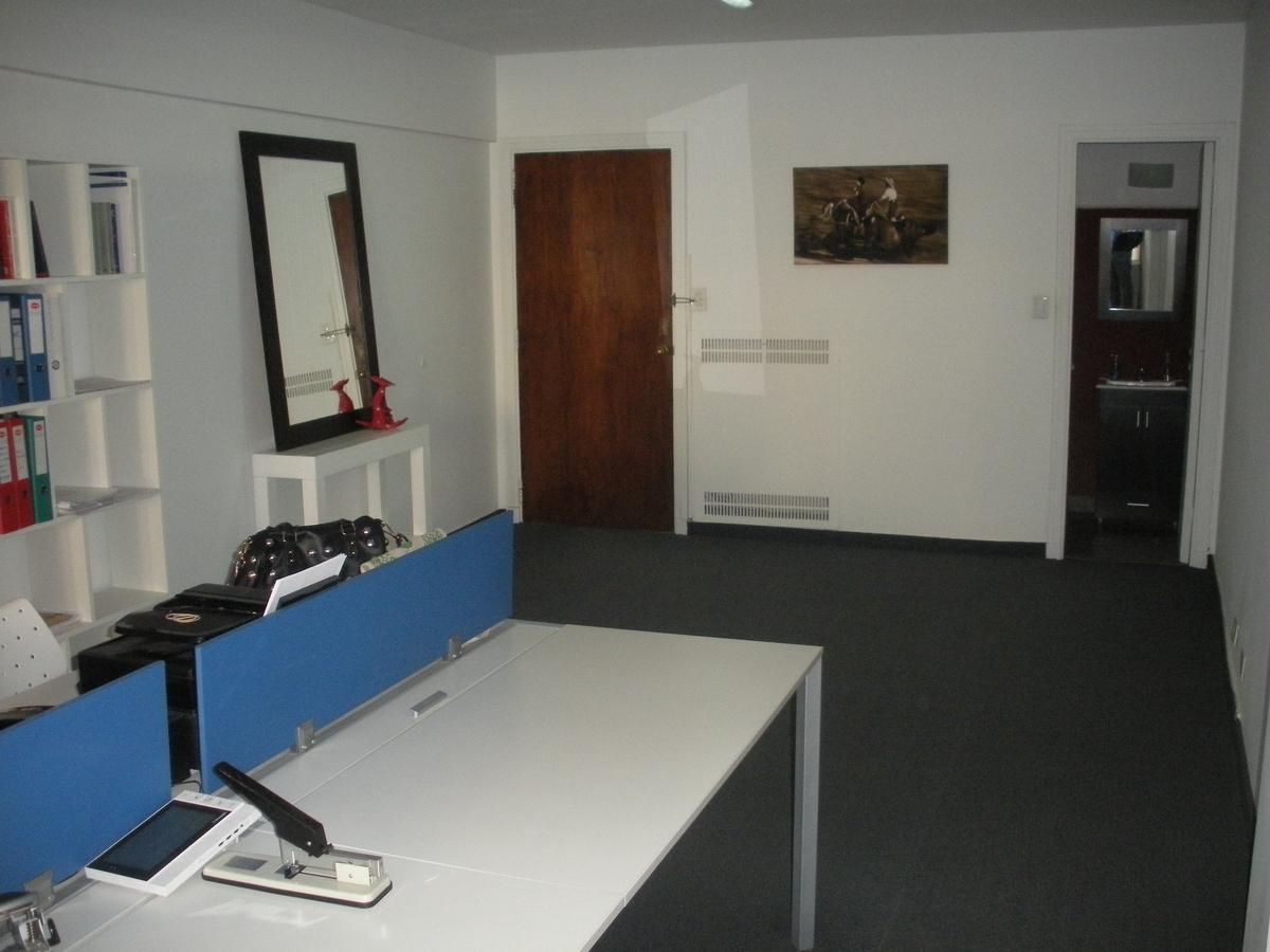 Foto Oficina en Venta en  Microcentro,  Centro  Sarmiento y Maipú