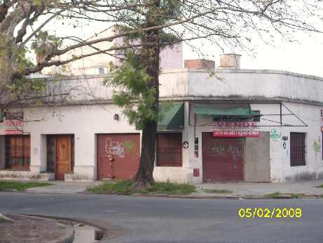 Foto Local en Venta    en  Lanús Este,  Lanús  Ituzaingo 2200