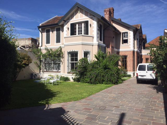 Foto Casa en Venta en  Temperley Oeste,  Temperley  ESPAÑA 815 e/ Pringles y Av. Fernandez