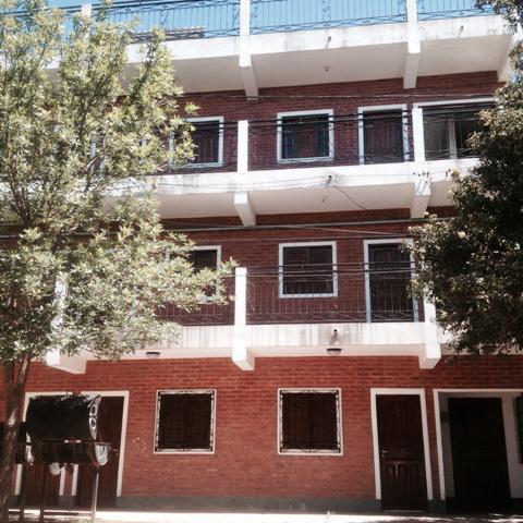 Foto Departamento en Alquiler en  Belgrano,  Presidencia Roque Saenz Peña  Checoeslovaquia al 200