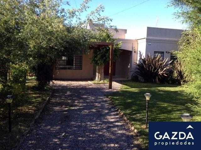 Foto Casa en Venta en  Ezeiza ,  G.B.A. Zona Sur  Roca al 200