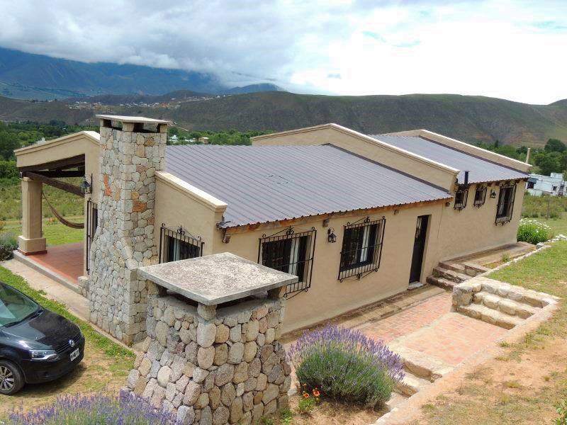 Foto Casa en Alquiler temporario en  Tafi Del Valle ,  Tucumán  Zona: La Ovejería, máximo  7 personas