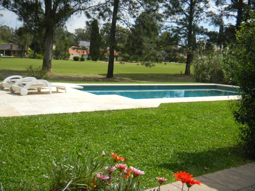 Foto Casa en Venta | Alquiler temporario en  Los Cardales,  Countries/B.Cerrado  COUNTRY CARDALES