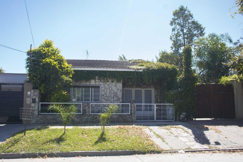 Foto Casa en Venta en  Ituzaingó Sur,  Ituzaingó  Gelpi al 1700