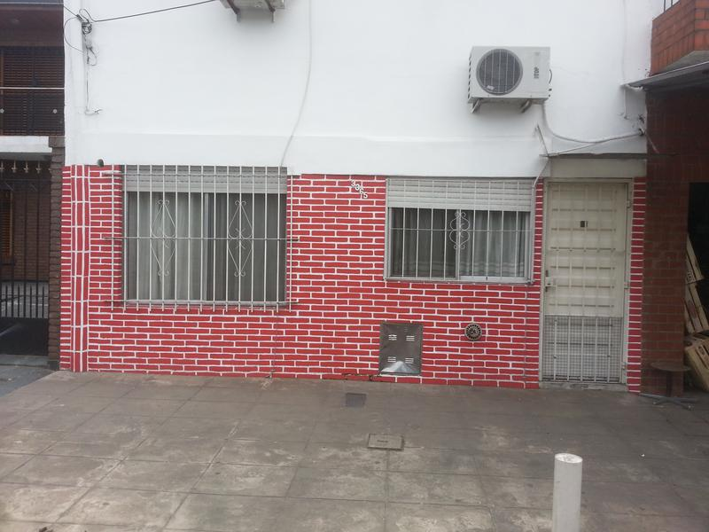 Foto PH en Venta en  Lanús Oeste,  Lanús  TAGLE al 3300