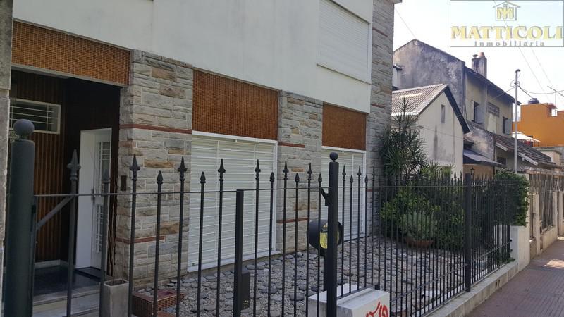 Foto Casa en Venta en  Villa Ballester,  General San Martin  Esmeralda al 4600