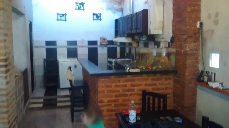 Foto Casa en Venta en  Lomas de Zamora Oeste,  Lomas De Zamora  ESTOCOLMO 880