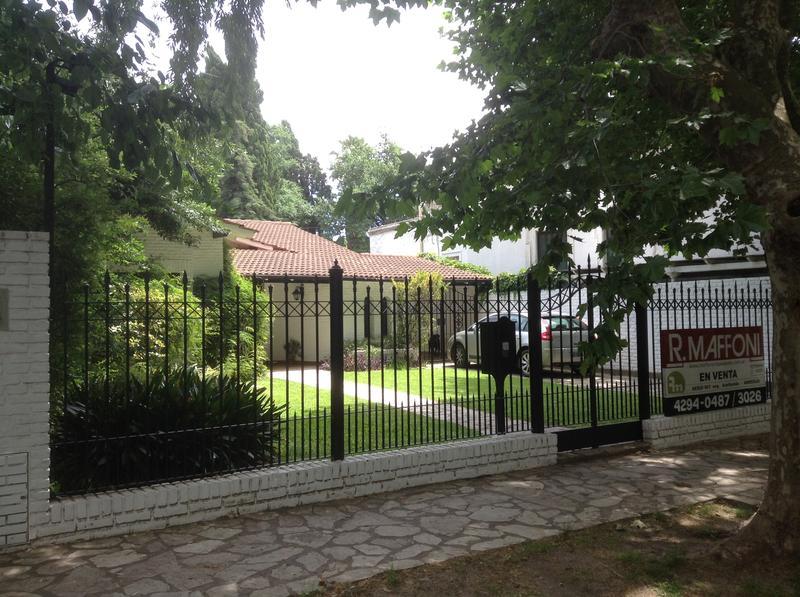 Foto Casa en Venta en  Adrogue,  Almirante Brown  SANCHEZ, J. 1400