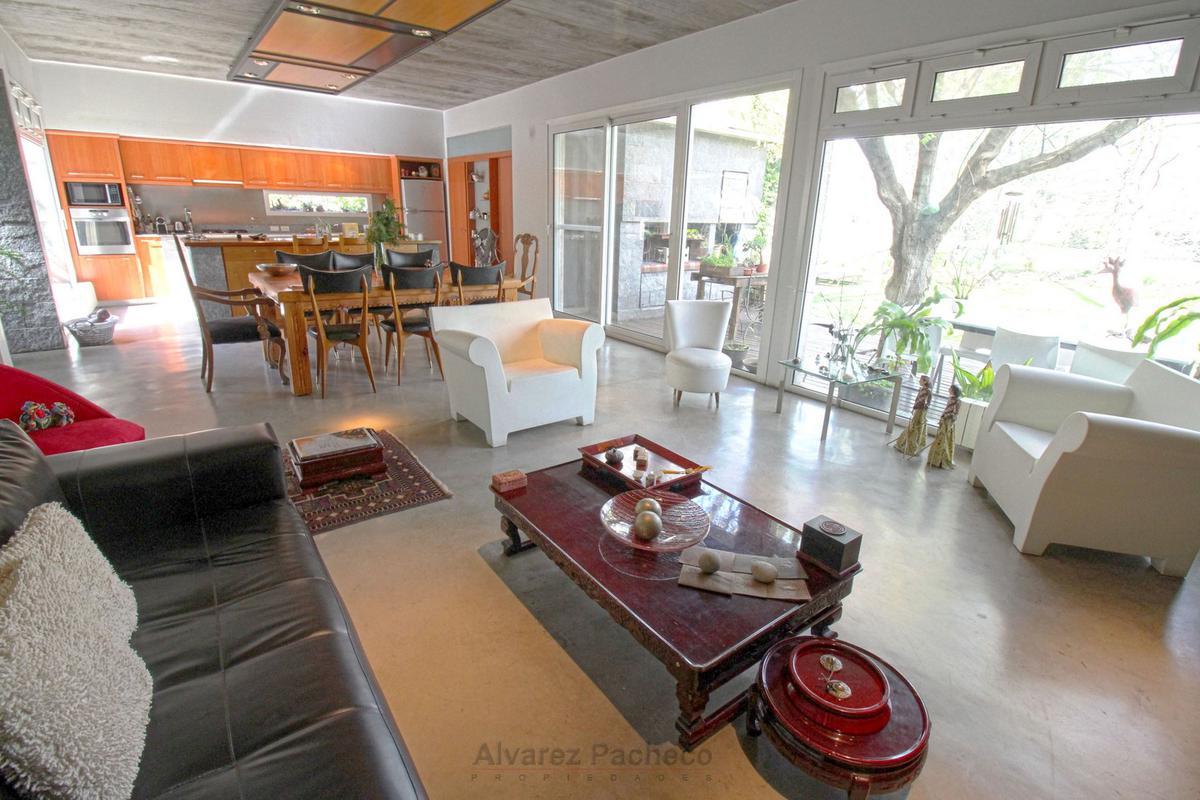 Foto Casa en Venta en  Canning,  Esteban Echeverria  LUIS CRESMANI al 3300