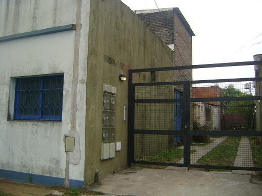 Foto Depósito en Alquiler en  Moron ,  G.B.A. Zona Oeste  ZABALA entre  y