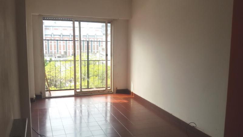 Foto Departamento en Venta en  Almagro ,  Capital Federal  Treinta tres orientales 80