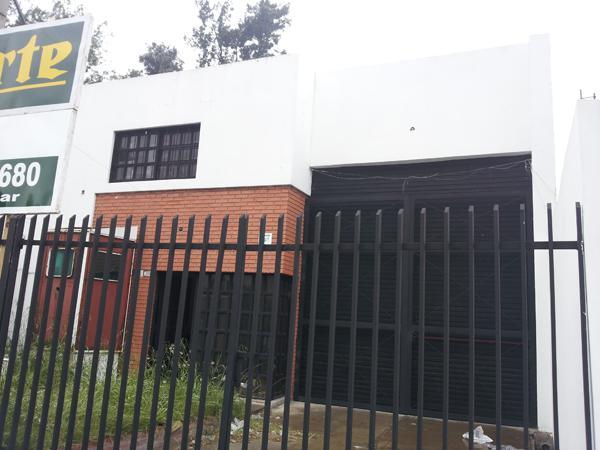 Foto Depósito en Alquiler en  Ituzaingó,  Ituzaingó  ACCESO OESTE (Colectora Norte) entre  y