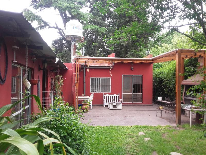 Foto Casa en Venta en  Barrio Parque Leloir,  Ituzaingo  10 de Noviembre al 2100