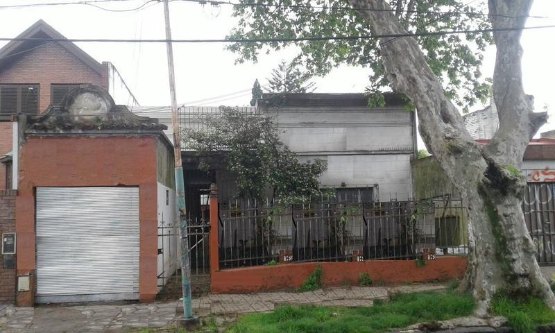 Foto Terreno en Venta en  Lomas de Zamora Oeste,  Lomas De Zamora  Portela al 700