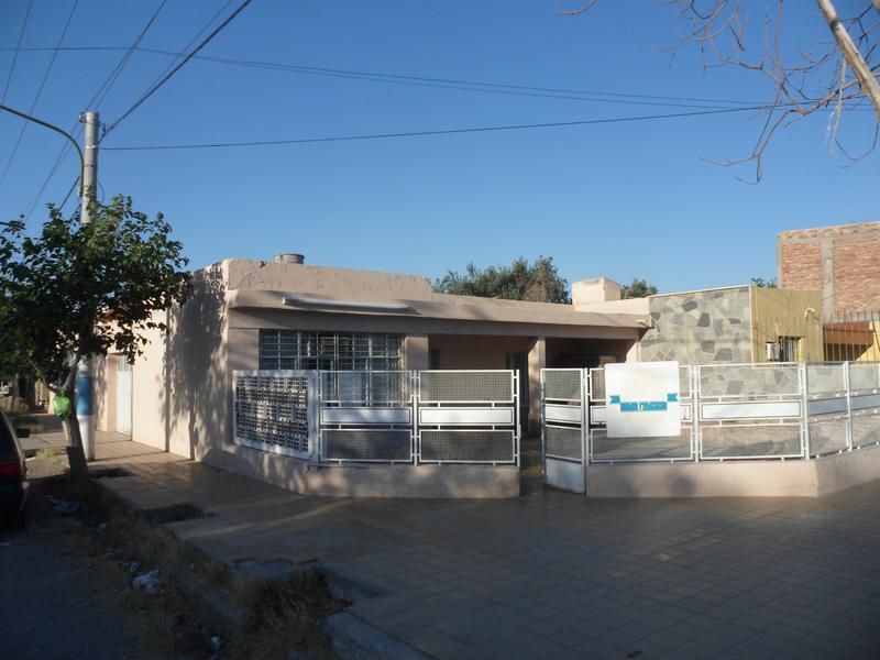 Foto Casa en Venta en  Rivadavia ,  San Juan  Pueyrredon y Villicum