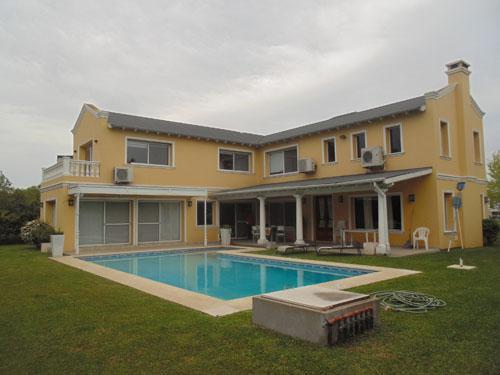 Foto Casa en Venta en  Septiembre,  Countries/B.Cerrado  Bº Septiembre