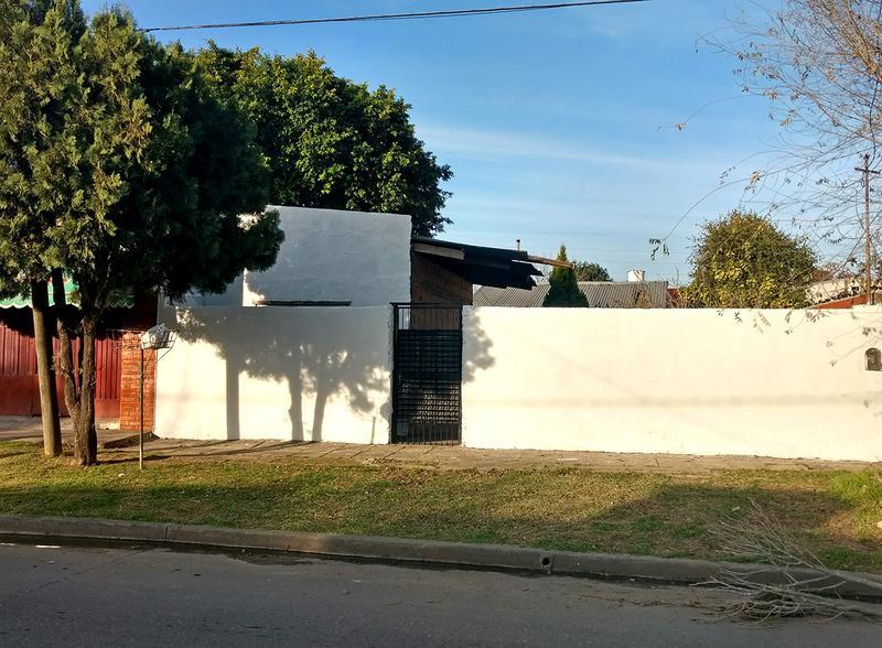 Foto Casa en Venta en  Centro (Campana),  Campana  Falucho al 1100