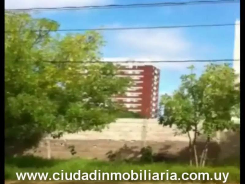 Foto Terreno en Venta en  Montevideo ,  Montevideo  Terrenos en MalvÌn - 1 dormitorios