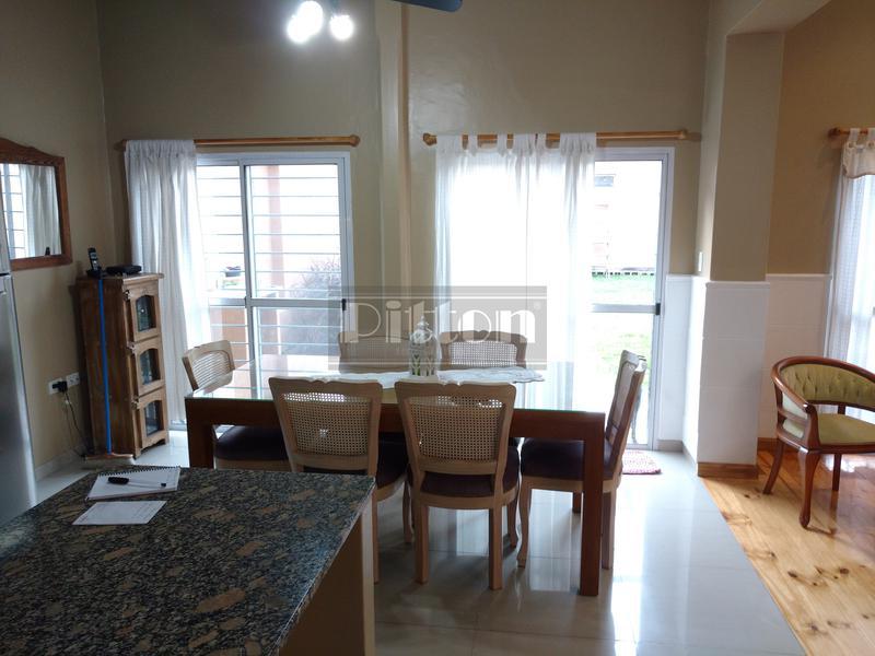 Foto Casa en Venta en  Banfield Este,  Banfield  Serrano 146