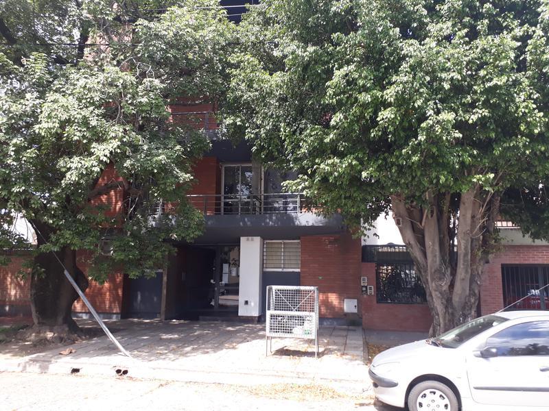 Foto Departamento en Alquiler en  San Miguel De Tucumán,  Capital  Monoambiente con división, Pellegrini al 300