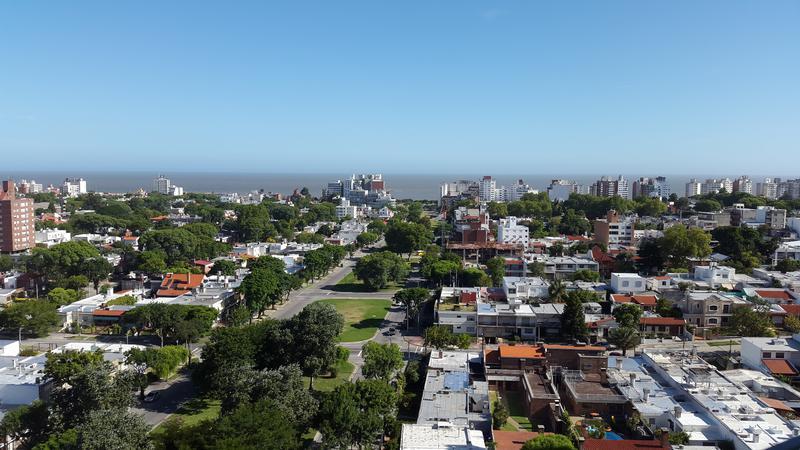 Foto Terreno en Venta en  Montevideo ,  Montevideo  Terrenos en MalvÌ_n - 1 dormitorios