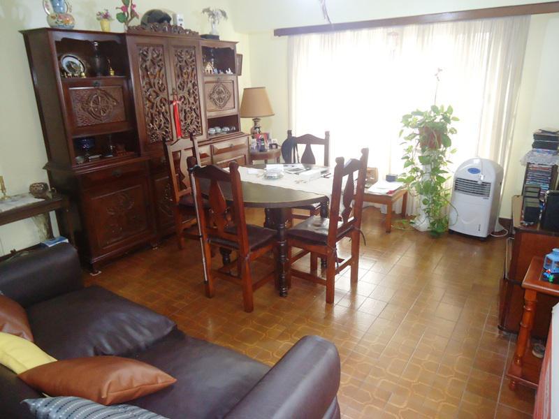 Foto Casa en Venta en  Olivos,  Vicente Lopez  Chacabuco al 2100