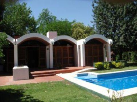 Foto Casa en Venta en  Barrio Parque Leloir,  Ituzaingo  UDAONDO
