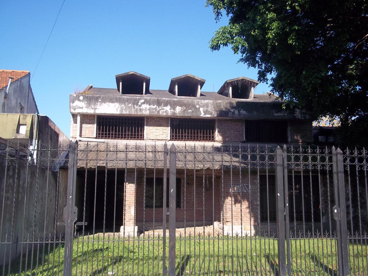 Foto Terreno en Venta en  Ituzaingó ,  G.B.A. Zona Oeste  Venancio Flores al 200