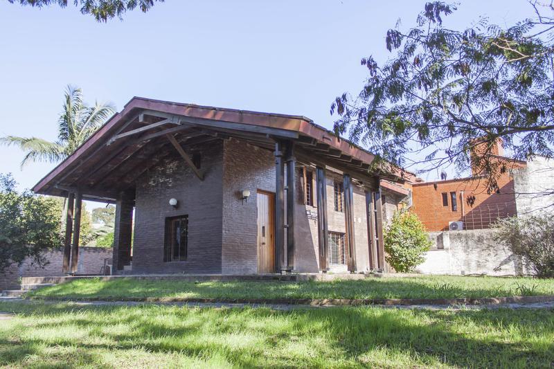 Foto Casa en Venta en  Yerba Buena ,  Tucumán  Salas y Valdez al 900