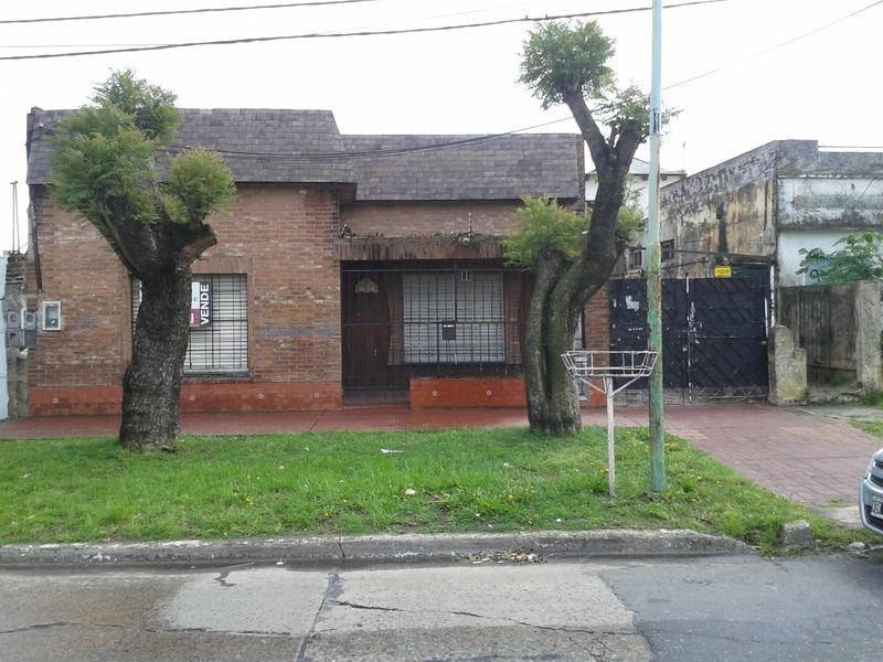 Foto Casa en Venta en  Lomas de Zamora Oeste,  Lomas De Zamora  Pereyra Lucena 1623 Lomas de Zamora