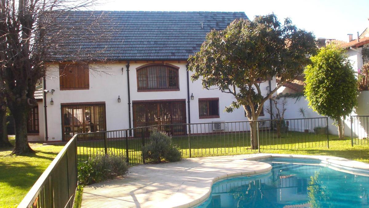 Foto Casa en Venta en  Acassuso,  San Isidro  Ricardo Gutierrez 900